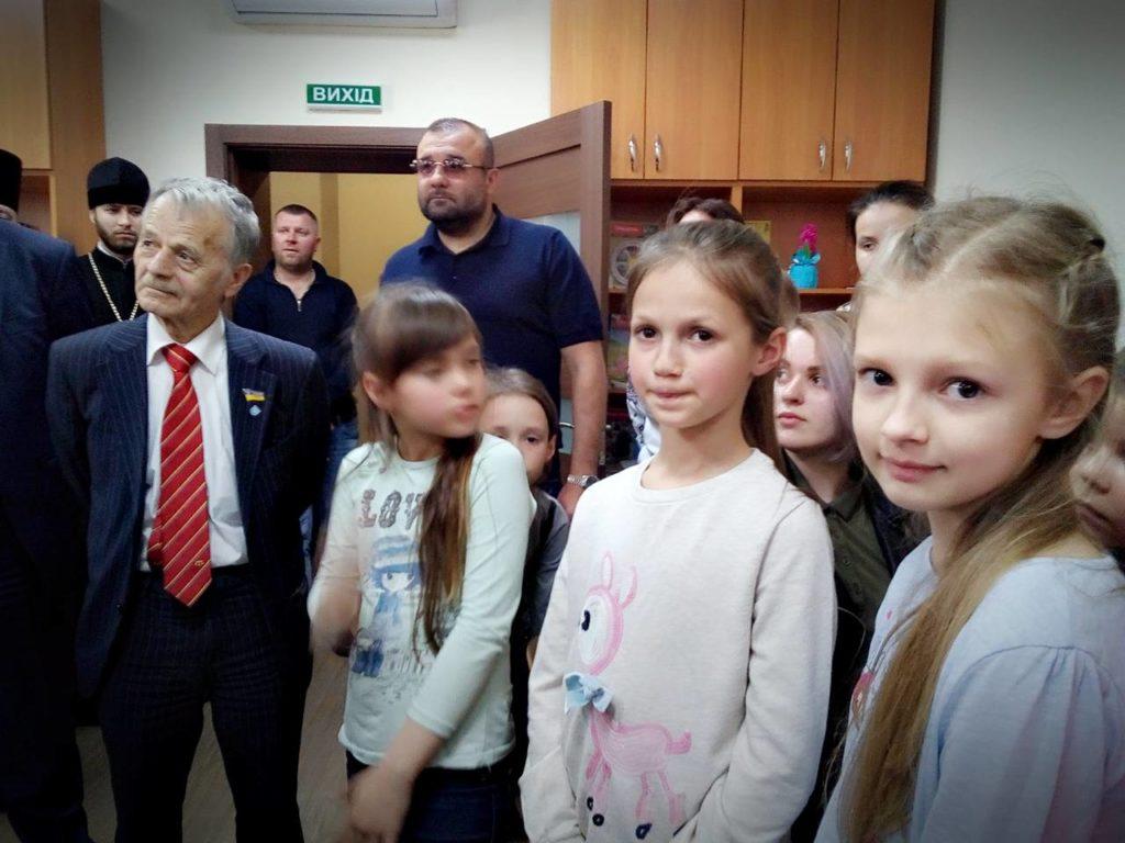 Мустафа Джемілeв лідер Меджсілу на Українському подвір'ї